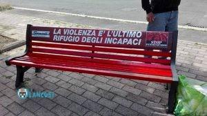 stop-al-femminicidio-panchina-rossa